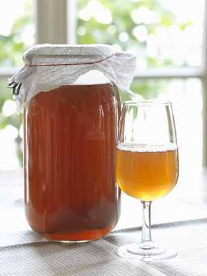 Making Kombucha, a popular health drink, is the art of fermenting tea. | MakeSauerkraut.com