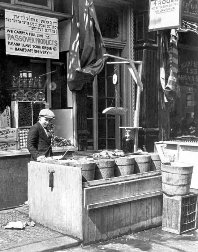 Vintage pickle stand. | makesauerkraut.com