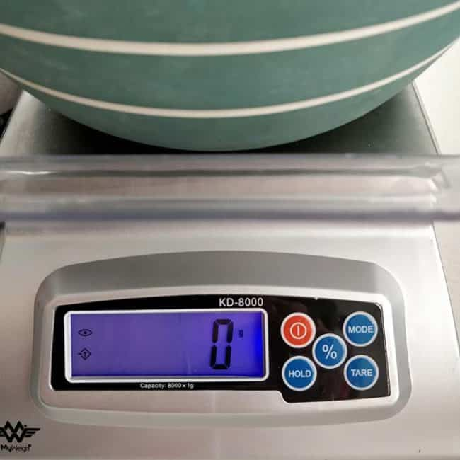 Front view of MyWeigh KD8000 with zero out scale. | MakeSauerkraut.com